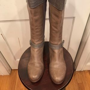 Beautiful Cole Haan boots. Calfs stretch Size 10